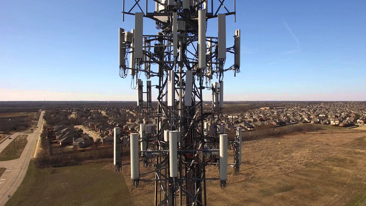 Inspection cell tower with Matrice 600 Pro